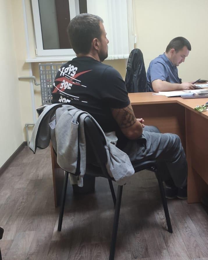 40-летнего подозреваемого —гендиректора сети частных домов престарелых — задержали в начале октября, и поначалу от дачи показаний он отказался