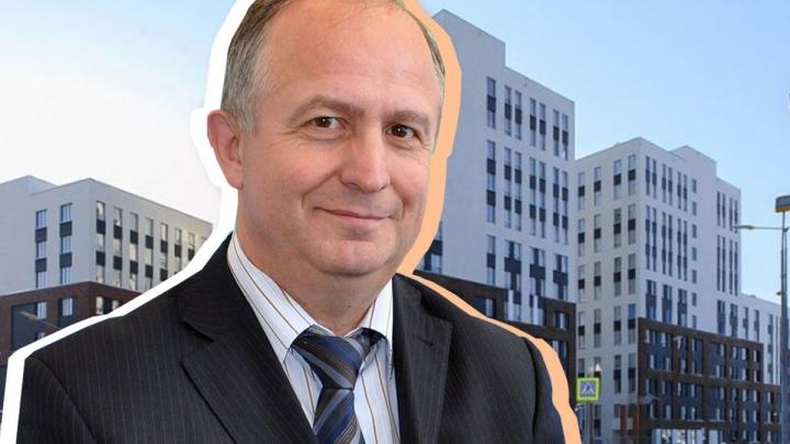 «Главный на районе»: руководитель чкаловской администрации в прямом эфире отвечает читателям E1.RU