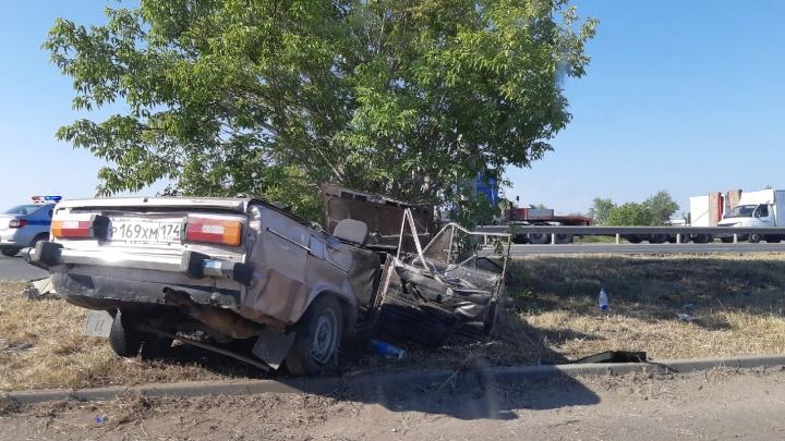 В Копейске «шестёрка» влетела в столб, погиб 20-летний парень