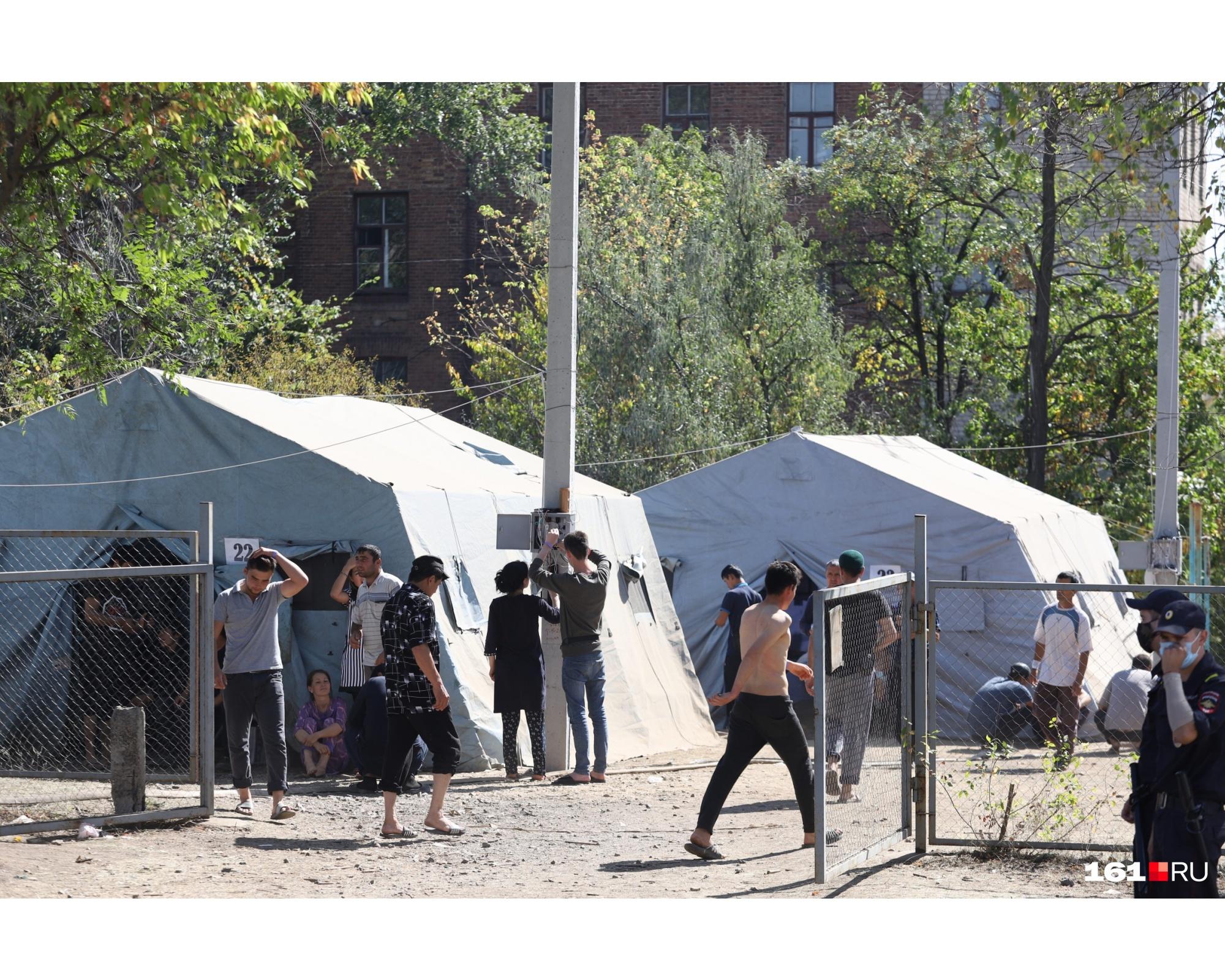 Наших журналистов не пустили на территорию официального лагеря