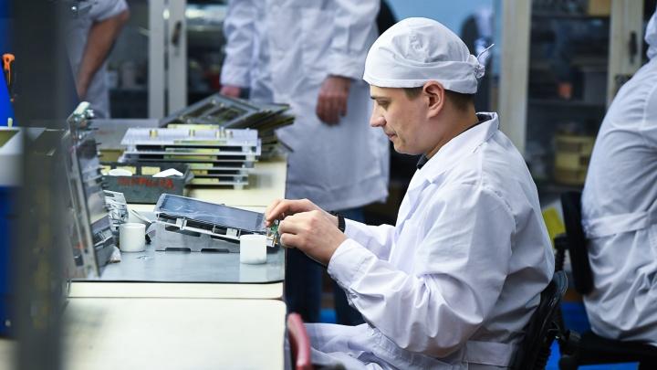 Будем дышать: репортаж с уральского завода, где выпускают аппараты ИВЛ, спасающие от коронавируса