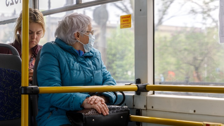 «Мы же не хотим умирать. И врачей беспокоить»: куда во время самоизоляции спешат волгоградские пенсионеры