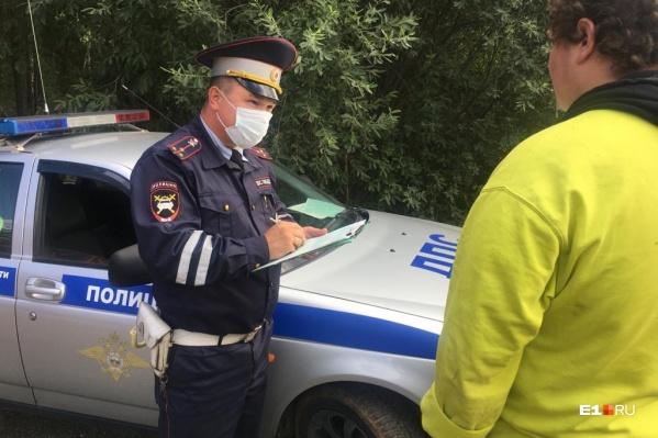 Инспекторы какое-то время ехали за подозрительной машиной, прежде чем потребовали остановиться