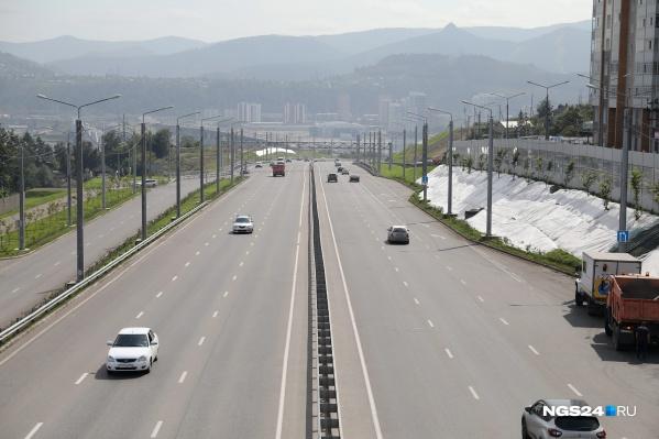 По Николаевскому проспекту смогут ездить машины не тяжелее 15 тонн