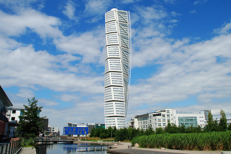 Небоскреб HSB Turning Torso в Мальме, 54 этажа, Швеция — жилье и офисы<br>