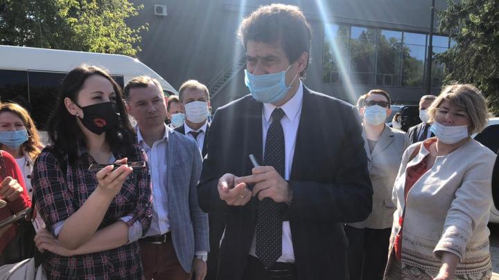Мэр впервые встретился с защитниками парка за Дворцом молодежи