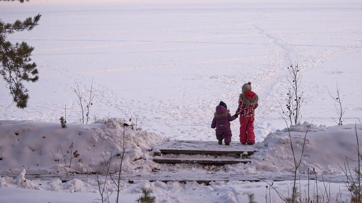 Трескучий мороз в новогоднюю ночь и холодные крещенские купания: какой будет погода на Урале в январе