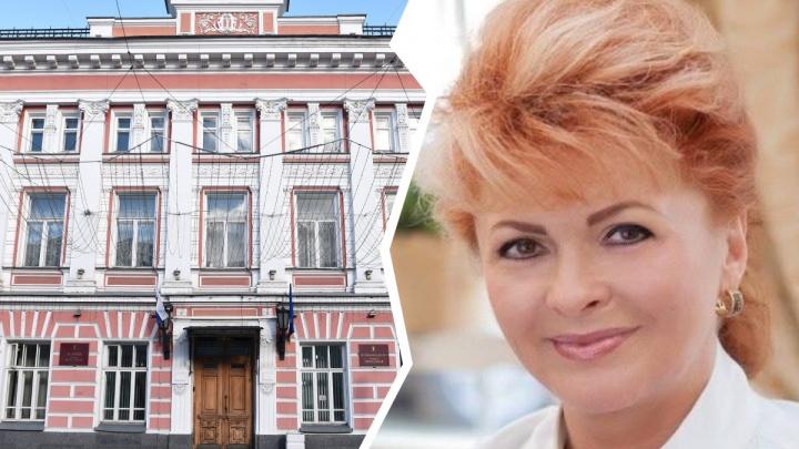 Мэр Ярославля отправил на самоизоляцию зама. Она вернулась из отпуска и уже выходила на работу
