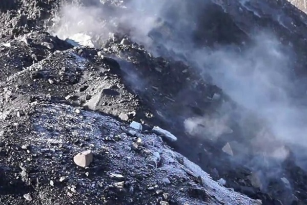 Периодически подземные пожары выходят на поверхность