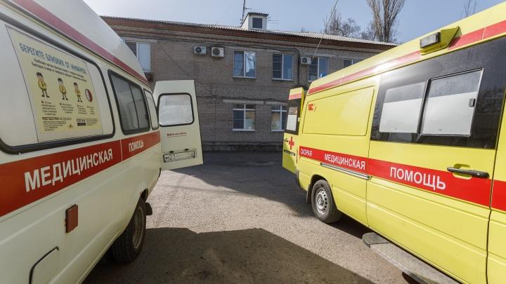 Ехал без прав: две девочки и два парня госпитализированы в Волгограде после аварии