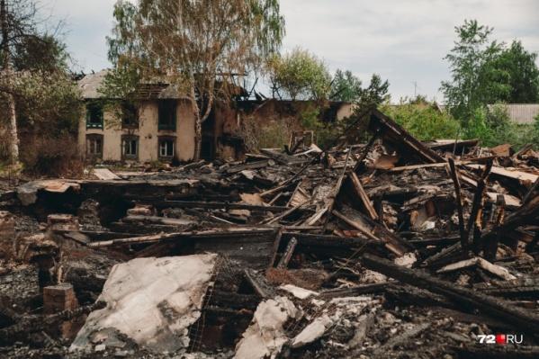 Пожары с весны уничтожили пять деревянных многоквартирников