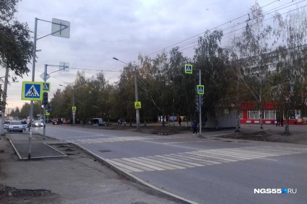 Водители и пешеходы путаются, видя такое разнообразие на улице Гашека