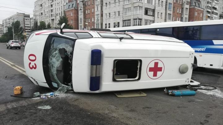 Омский дорожник помог спасти пострадавших в ДТП со скорой