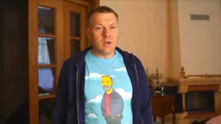 Николай Коляда в фирменной тюбетейке засветился в ролике звезды «Реальных пацанов». Причем в рекламном