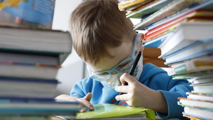 «Дети в данной ситуации, как бикфордов шнур»: врач предсказал «коронавирусный взрыв» в Волгограде после 1 сентября