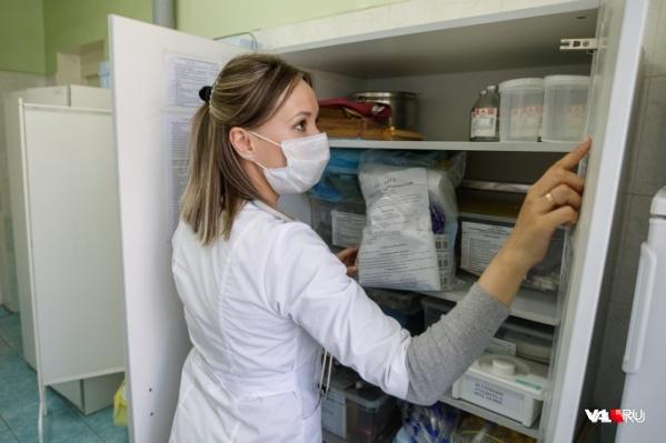 Тесты на коронавирус в регионе провели нескольким десяткам тысяч тюменцев