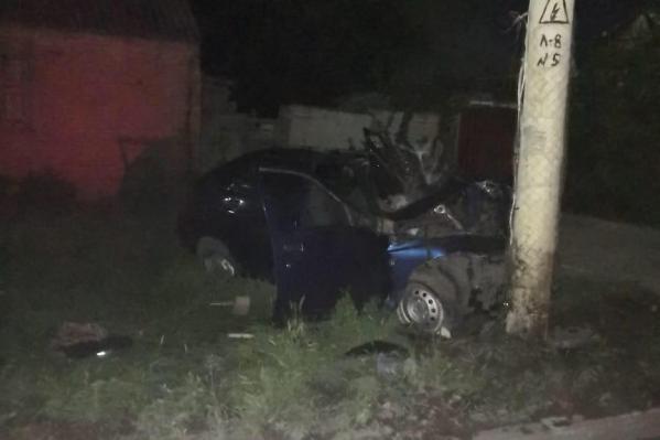 Пассажир на переднем сидении погиб