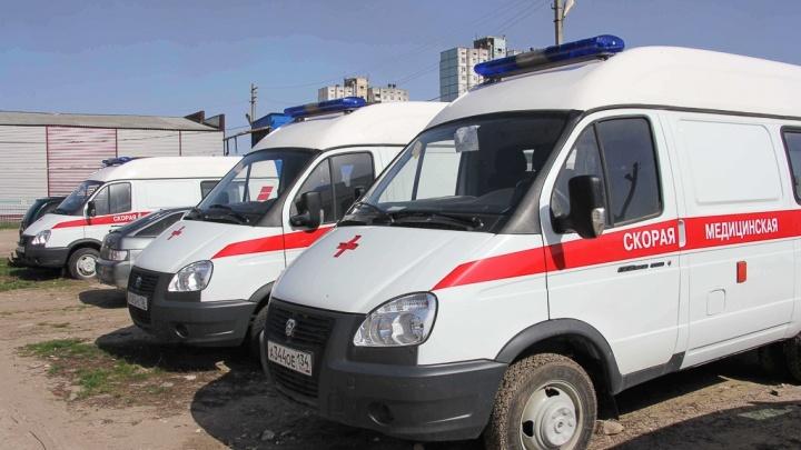 Под Волгоградом иномарка улетела в кювет: погибла девушка, четверо раненых