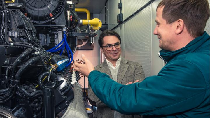 Курс на малую энергетику: на Коркинском кирпичном заводе установили автономную мини-электростанцию