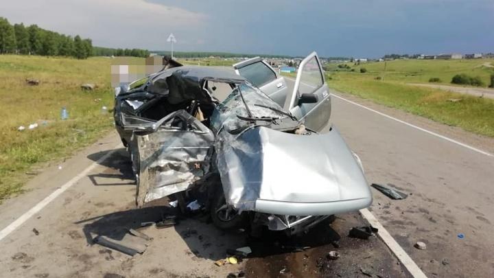 Еще одно смертельное ДТП в Башкирии: на трассе погибли два человека