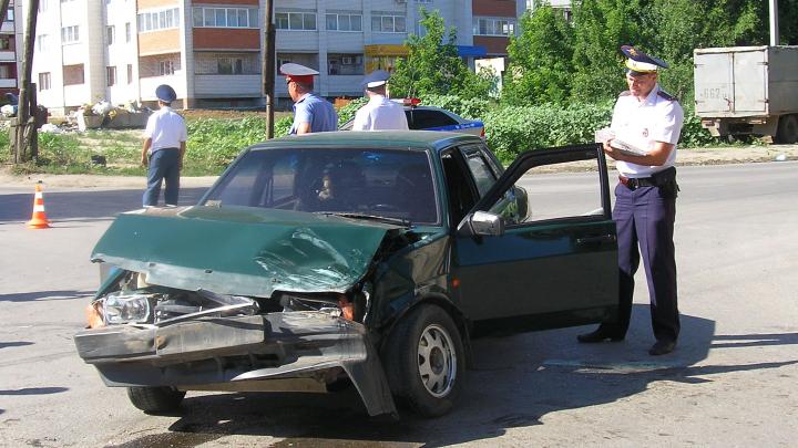 В Волгограде на строительном рынке грузовик сбил мужчину