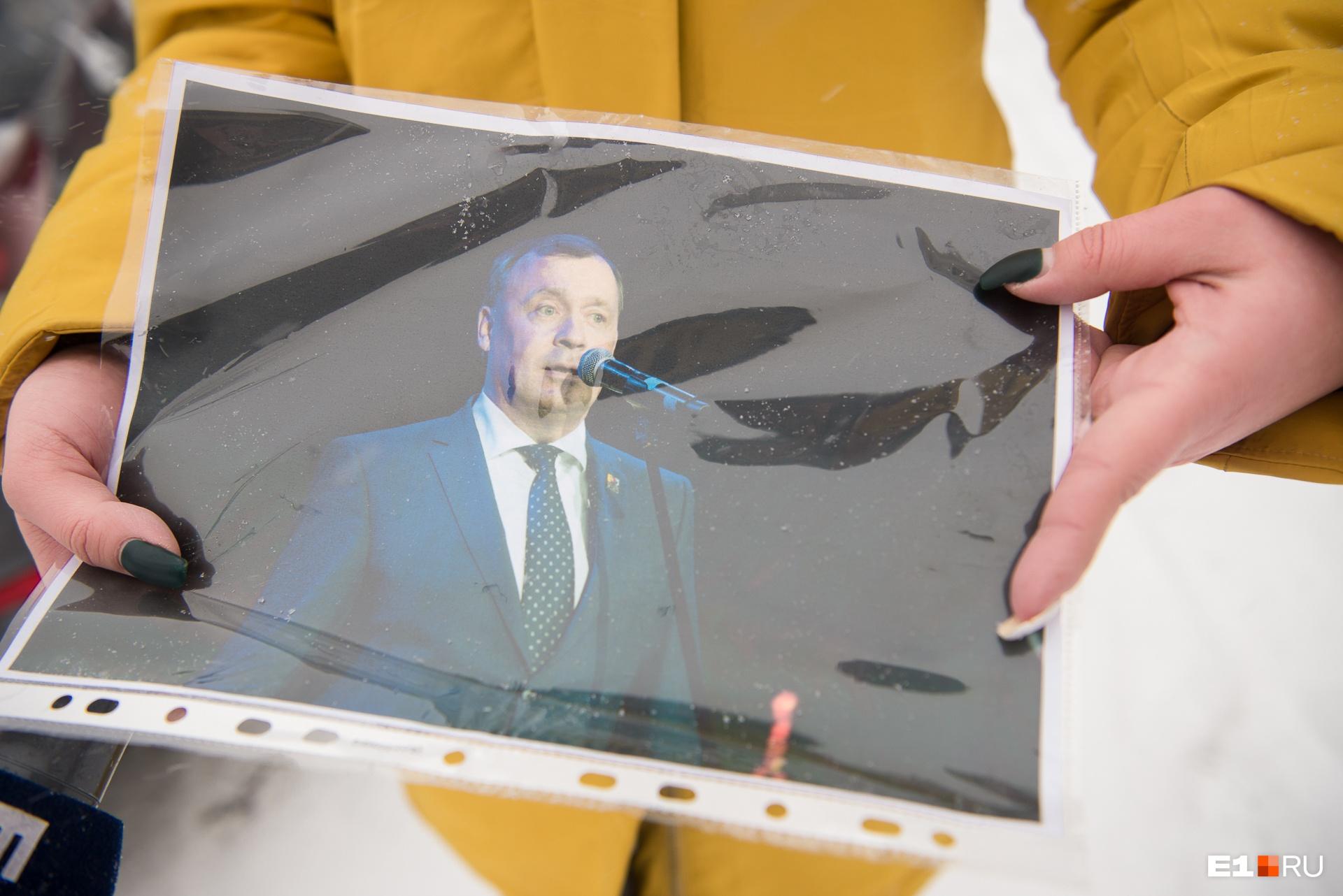 По фото Алексея Орлова узнал только один человек