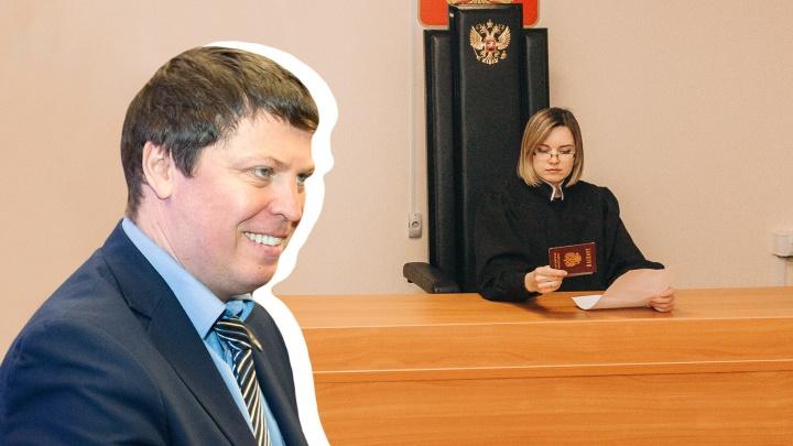 Депутату губдумы удалось избежать наказания за новость о полицейском с COVID