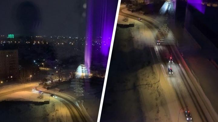 Ночью в Новосибирске за водителем устроили погоню— публикуем видео