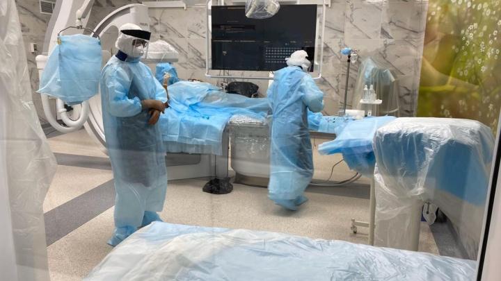 «Вирус спровоцировал инфаркт»: в Тольятти больному COVID сделали операцию на сердце