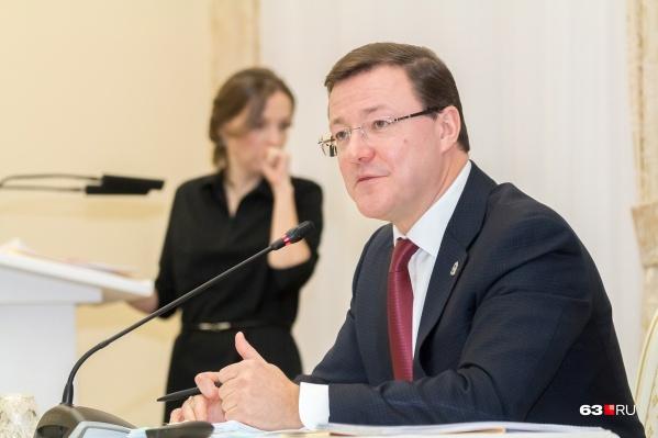По словам главы региона, решающим фактором при принятии решений по режиму являются рекомендации специалистов