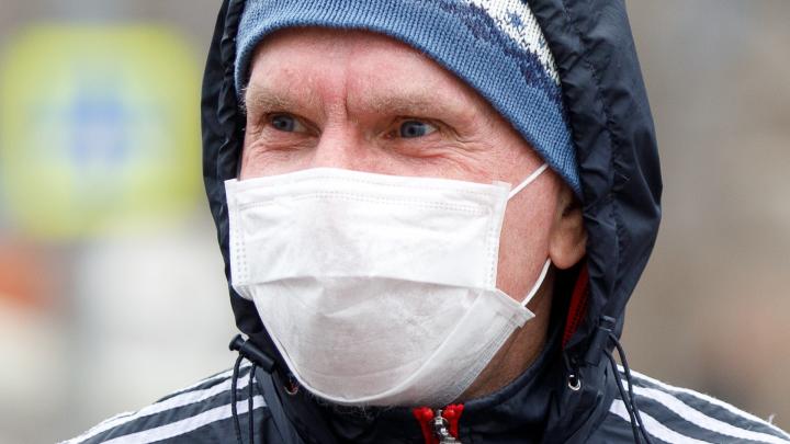 «Это не панацея сейчас»: глава облздрава призвал волгоградцев не скупать медицинские маски