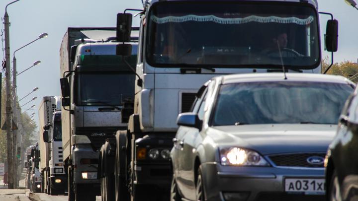 Гигантская пробка возникла на трассе М-4 «Дон» возле Шахт