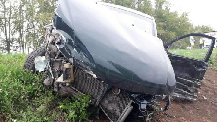 В Башкирии в ДТП с грузовиком и двумя легковушками пострадал 8-летний ребенок