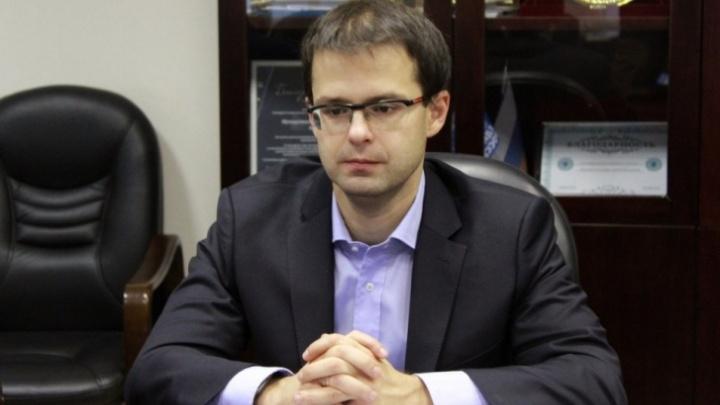 Уволился, но остался работать: чиновник, продавший троллейбусное депо, написал заявление об уходе