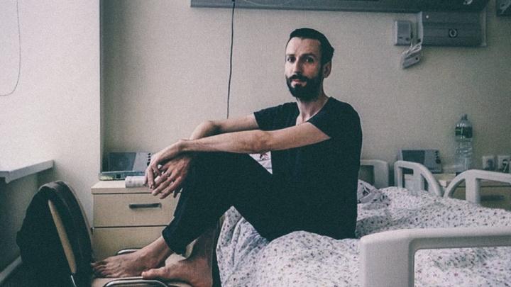 Врачи выписали из больницы самарского художника, заболевшего коронавирусом