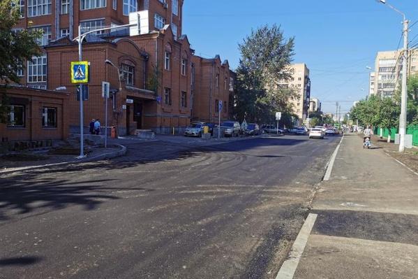 Участок дороги узкий и не позволяет организовать реверсивное движение