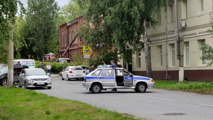 Из-за телефонных террористов полицейские оцепили ТЭЦ в Красноярске и Канске