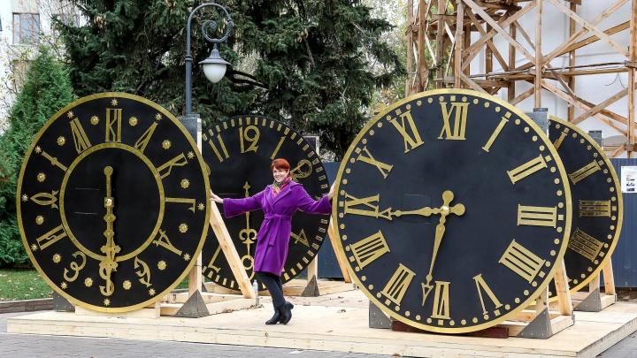 Рассматриваем ближе и делаем селфи: в Нижегородском кремле установили четыре гигантских циферблата
