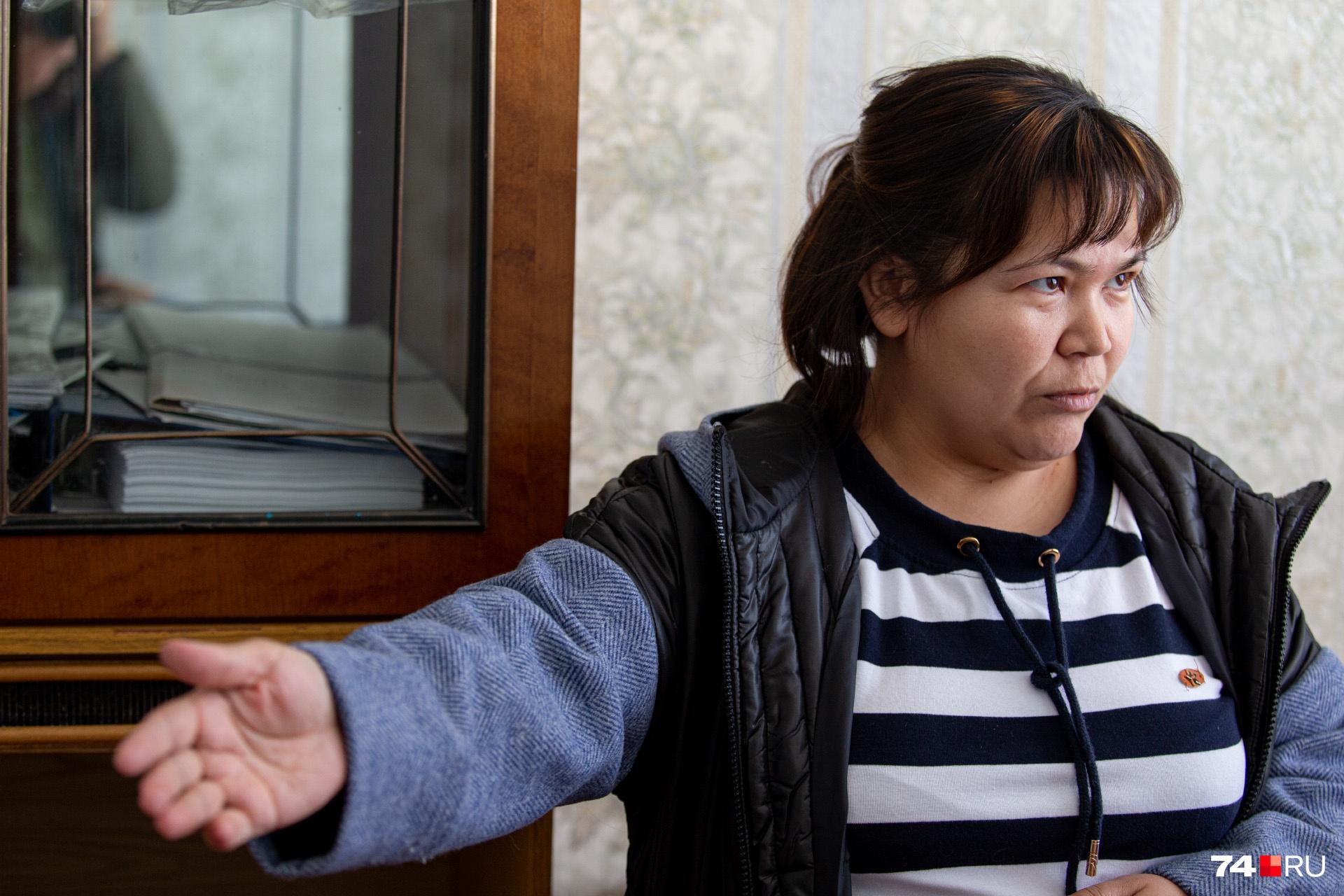 Гульсия Сабитова опросила уже человек 20, и никто из них про избиение детей не слышал