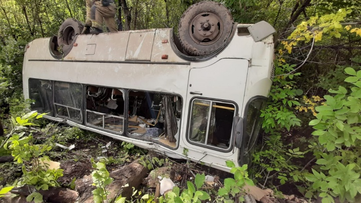 На трассе Самара — Оренбург перевернулся пассажирский автобус