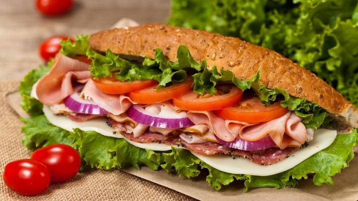 Вкусный и полезный перекус: сэндвич SUBWAY теперь можно заказать с доставкой на дом