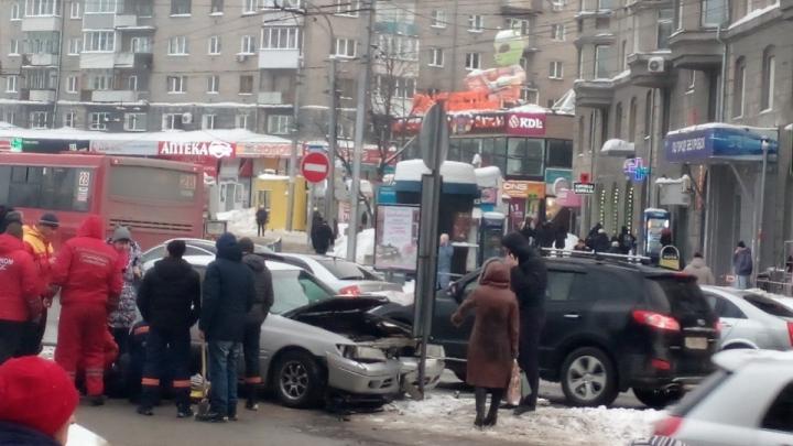 Суд назначил наказание водителю, который въехал в толпу пешеходов на площади Калинина