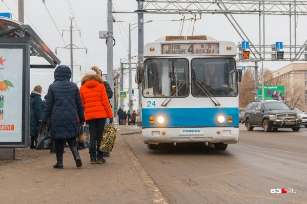Сейчас на 4-м маршруте работают старые троллейбусы