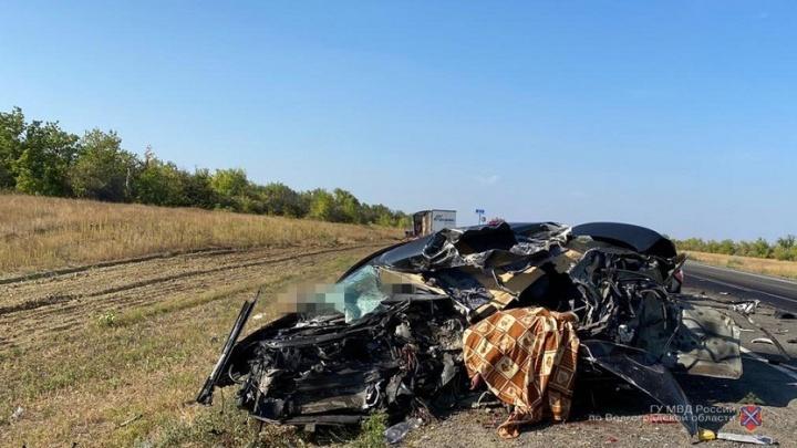 В страшной аварии на трассе Волгоград — Сызрань погибла семья из Самары