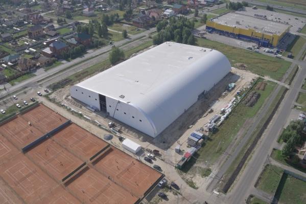 Вид сверху на теннисный центр