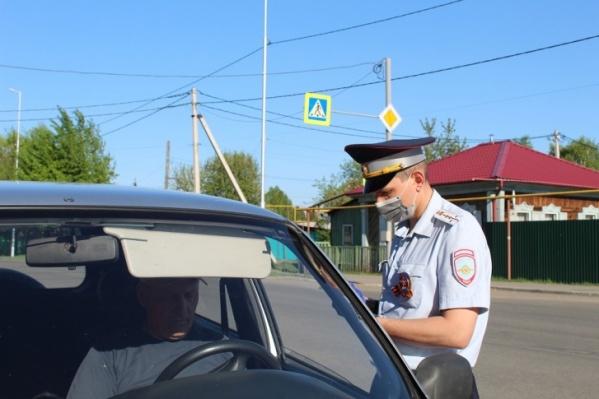 Посты ГИБДД будут по-прежнему на трассах проверять въезжающих в Зауралье
