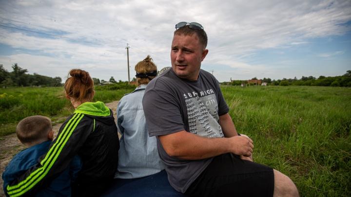 Русская печь и сыроварня: молодая семья бросила город и уехала варить сыр в село — к ним выстраиваются очереди