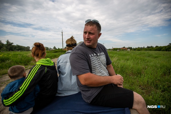 В Новосибирске Стас работал менеджером по продажам, а Майя— кладовщиком в сфере общепита