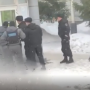 В День защитника Отечества мужчина отобрал у сотрудницы офиса микрозаймов в Уфе деньги и скрылся