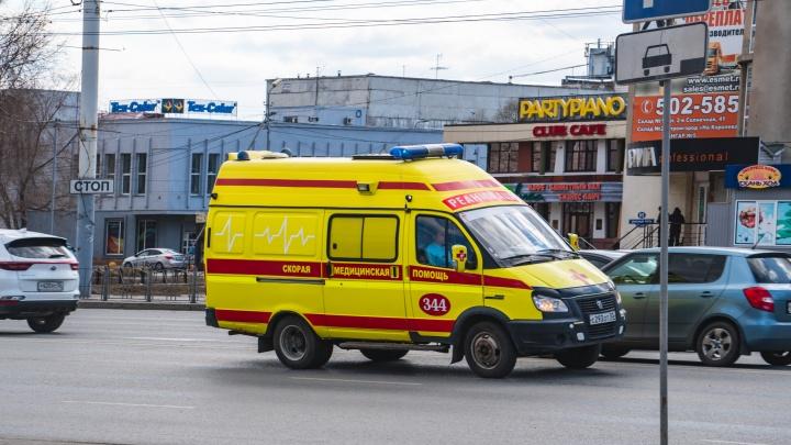 В Омске автобус насмерть сбил женщину у Первомайского рынка